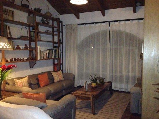 Finca Rosa Blanca Coffee Plantation Resort: Shared library