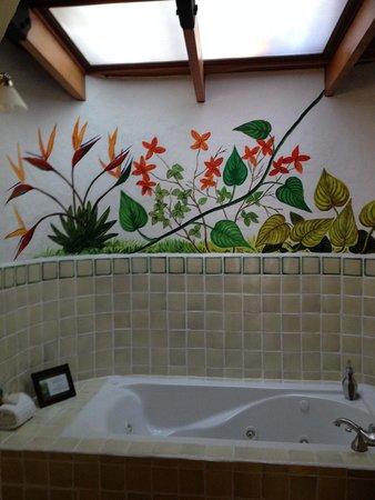 Finca Rosa Blanca Coffee Plantation & Inn: La Guaria tub