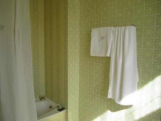 As Janelas Verdes: bath