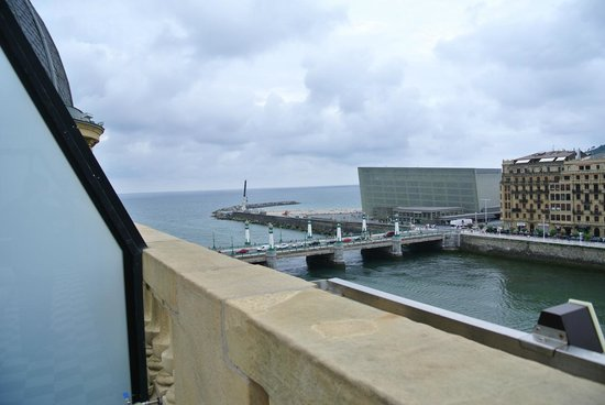 Hotel Maria Cristina, a Luxury Collection Hotel, San Sebastian: Terrace Suite View