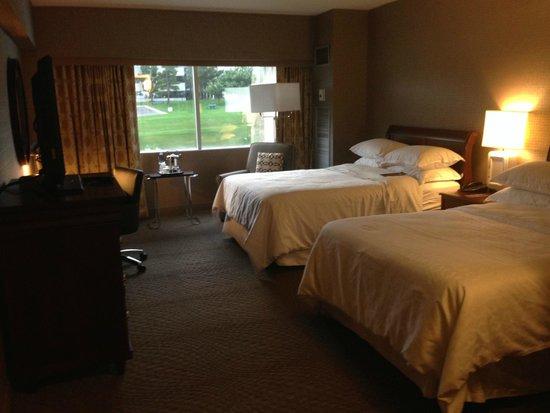 Sheraton Detroit Novi: Room