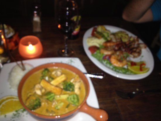 Emilio's Cafe: Curry and seafood