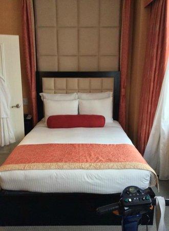 Flatiron Hotel: comfy bed