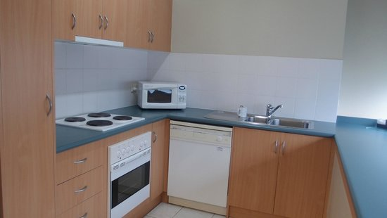 Flinders Landing Apartments : Kitchen