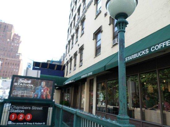 The Frederick Hotel: Bem embaixo do Hotel
