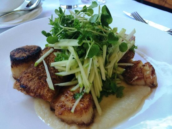 Daisy's Place: Pork Belly with Scallops