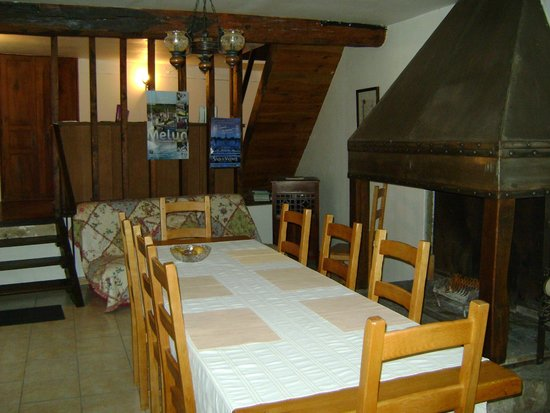 Le Moulin du Ponceau : The breakfast room.