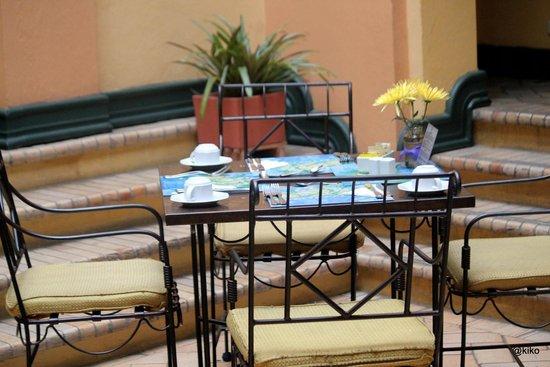 Hotel de la Opera: breakfast area