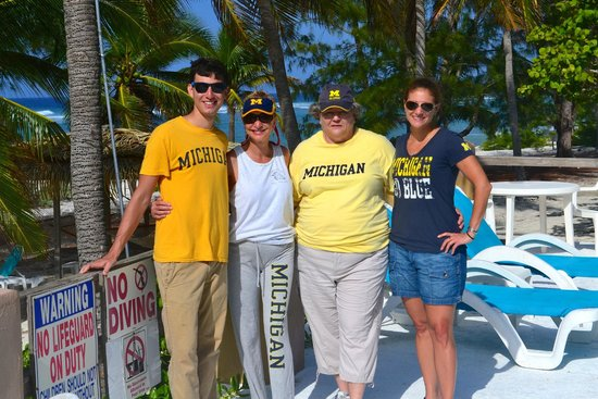 Pirates Point Resort: U of M fans connect