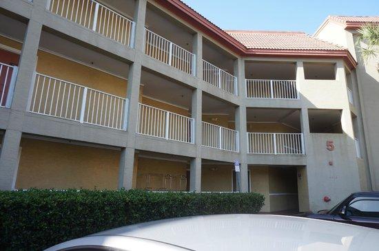 Parc Corniche Condominium Resort Hotel: Fachada do bloco
