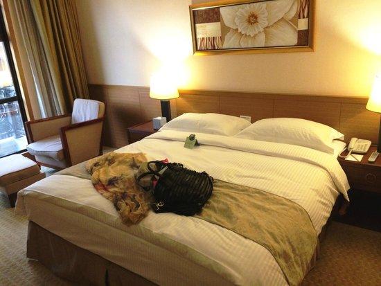 Fullon Hotel Taoyuan : Bedding
