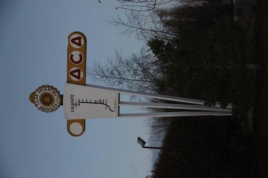 Hotel A.C.A.: ingreso, logo del aca