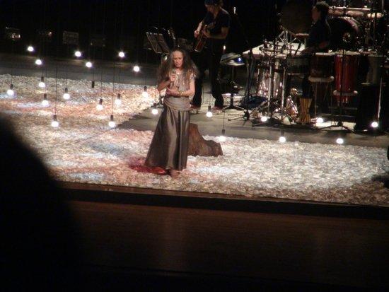 Teatro Castro Alves: Show de Maria Bethânia no palco principal