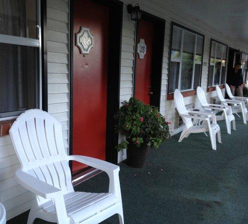 Hanging Lake Inn: Nice room