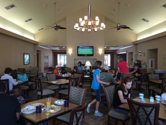 Homewood Suites by Hilton Wilmington/Mayfaire: Dinning hall