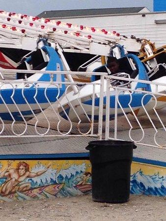 Carolina Beach Boardwalk: Enjoin hey the ride