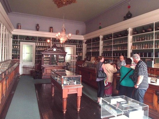 Niagara Apothecary Museum: Wonderful exhibit of a 1900's apothecary