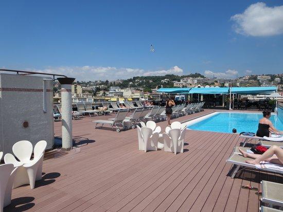 AC Hotel Nice : rooftop pool