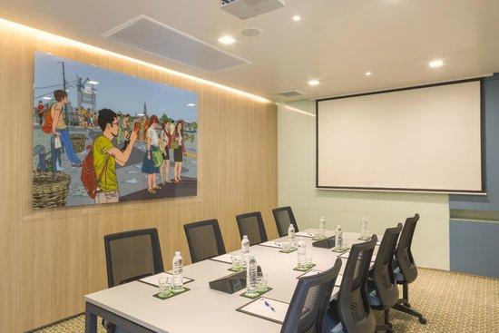 Meeting Room at Holiday Inn Express Bangkok Sathorn