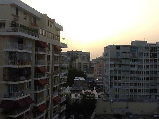 BEST WESTERN PLUS Condado Palm Inn & Suites: Vista desde la habitacion