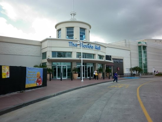 The Florida Mall: La entrada