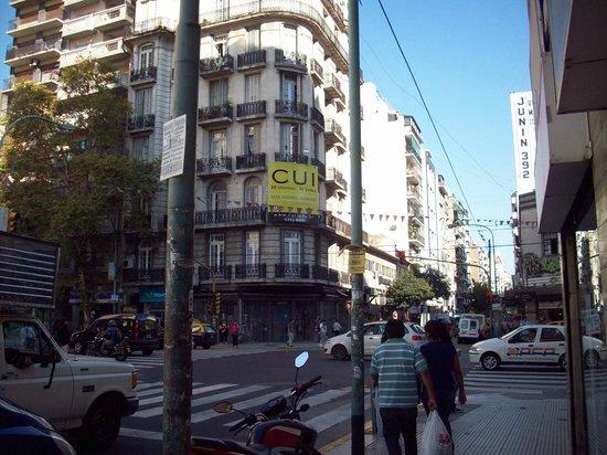BA Central Hotel: Rua de acesso ao hotel