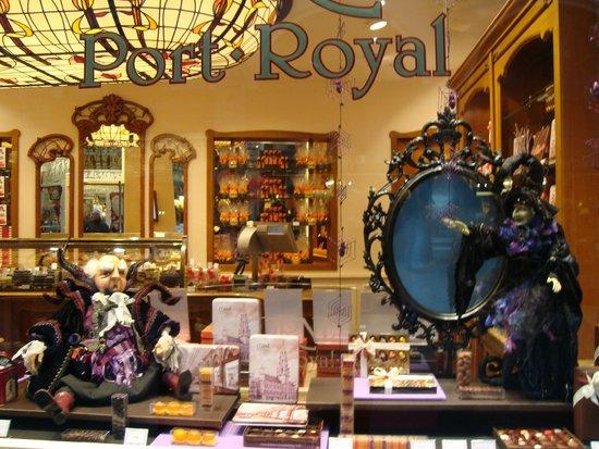 Les Galeries Royales Saint-Hubert : HERMOSA DECORACION....