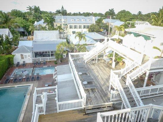 NYAH Key West: Rooftop view of NYAH grounds