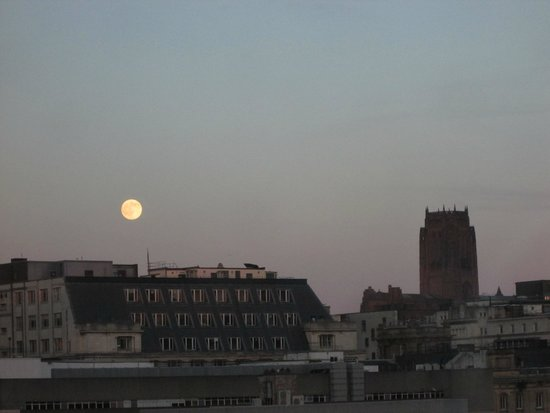 Sir Thomas Hotel : View from Room: Moon Rising over Liverpool