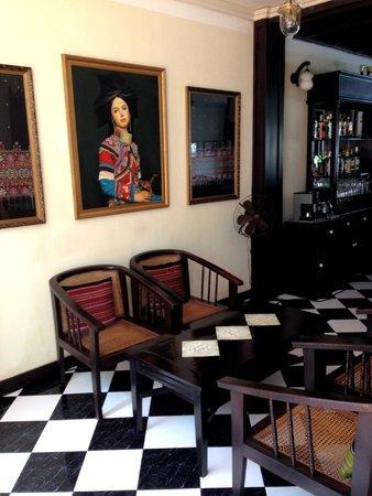 Hotel Khamvongsa: bar/breakfast area