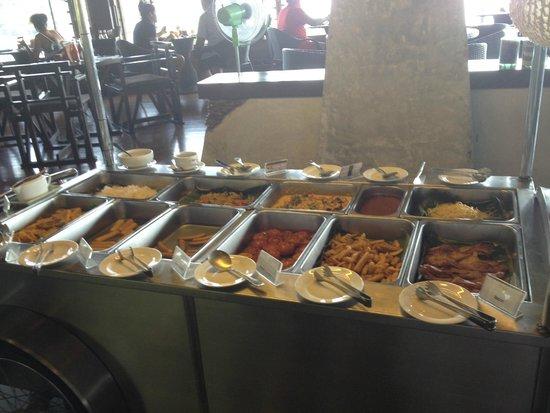 Panviman Resort - Koh Pha Ngan : Warmes Buffet Frühstück