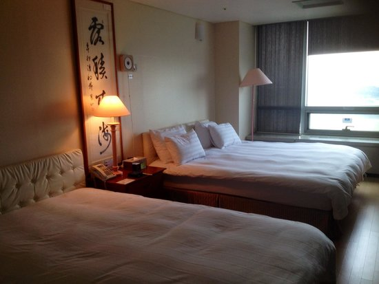 Incheon Airportel: Nice rooms with large bedding