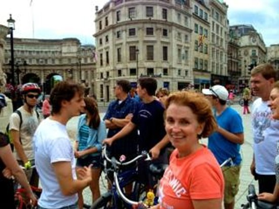 Fat Tire Bike Tours - London: Group Stop in the middle of Trafalgar Square
