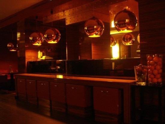 Starhotels Ritz : bar/breakfast area