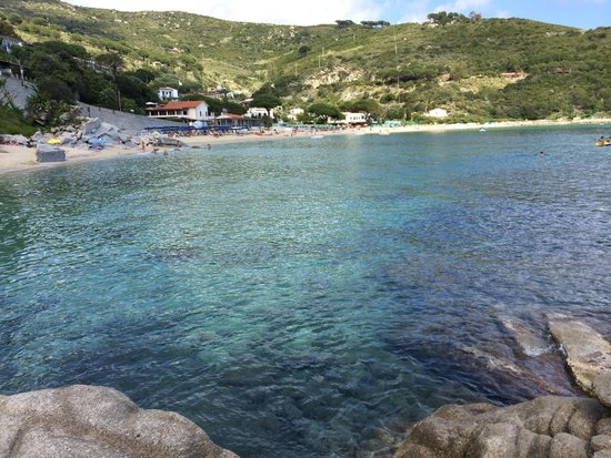 Cavoli, Italie : Clear waters