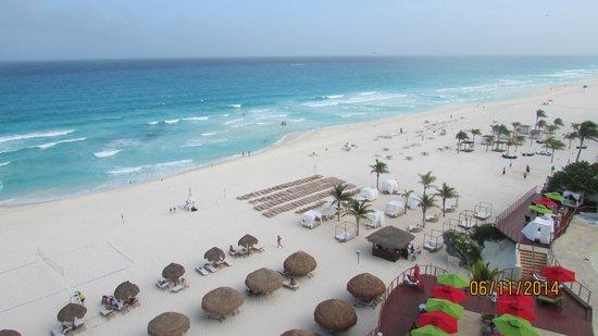 Sunset Royal Beach Resort: La Playa