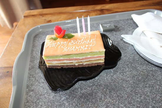 Heritance Kandalama: Surprise cake for my husband!!
