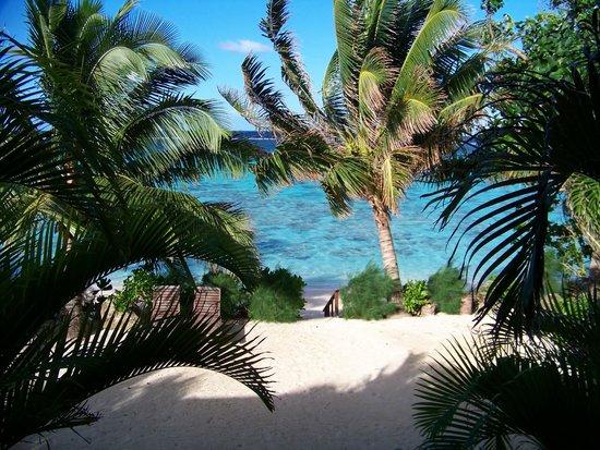 Moana Sands Beachfront Hotel : view from 1st flr balcony