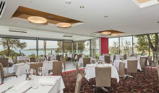 Quality Hotel Bayside Geelong: Black Salt Restaurant