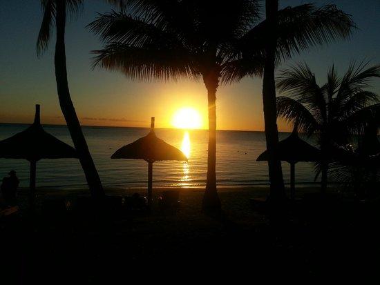Trou aux Biches Beachcomber Golf Resort & Spa: coucher de soleil