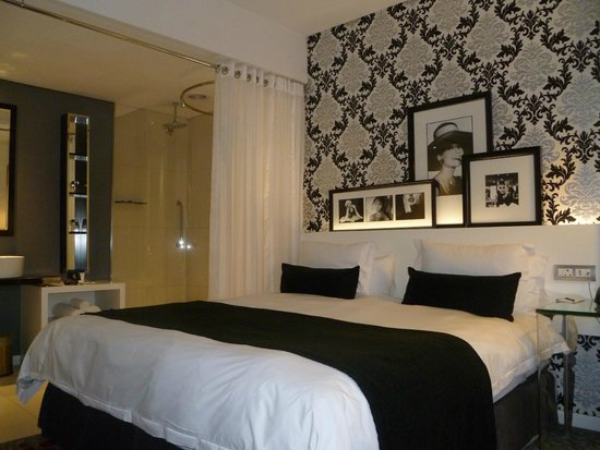 Protea Hotel Fire & Ice Melrose Arch: standard room