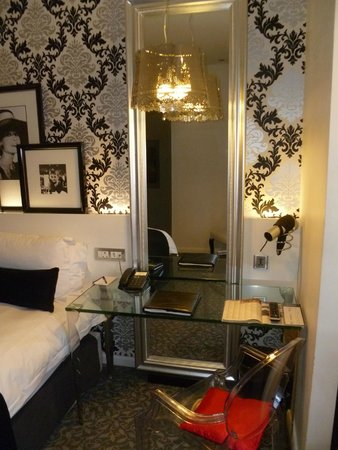 Protea Hotel Fire & Ice! by Marriott Johannesburg Melrose Arch: standard room