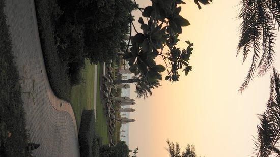 Park Hyatt Abu Dhabi Hotel & Villas: Вечер