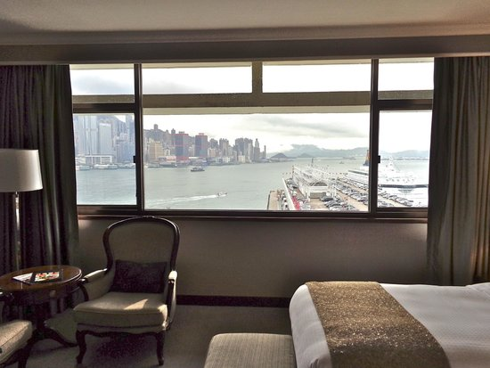 Marco Polo Hongkong Hotel : view from my room on the 12th floor