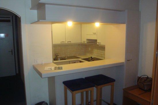 Utoring An der Reuss: Kitchen and Dining area