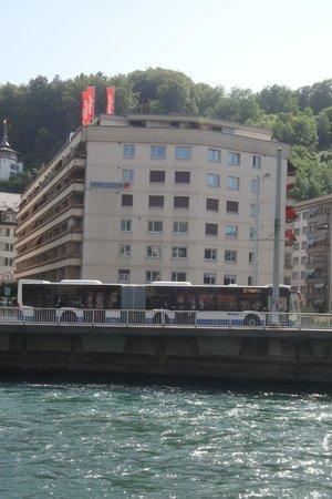 Utoring An der Reuss: View of Utoring from across the river