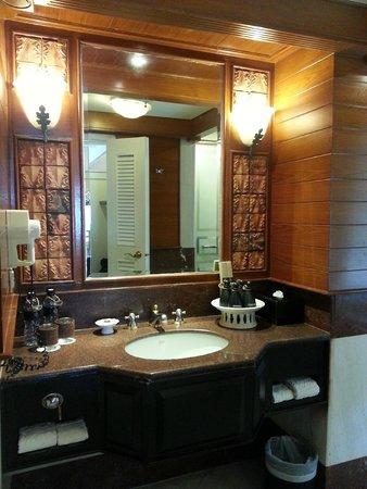 Thavorn Beach Village Resort & Spa: Bathroom