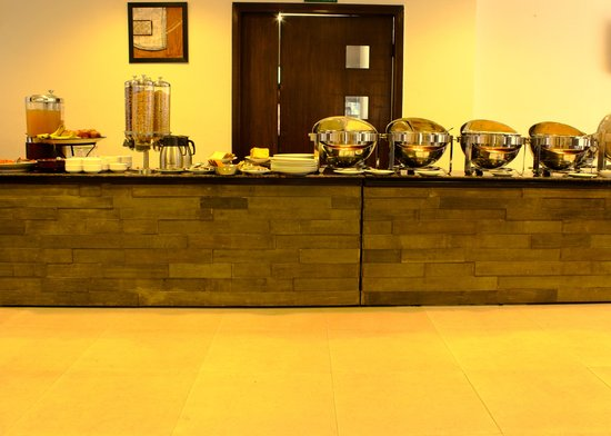 Tavisha Hotel: Breakfastbuffet2