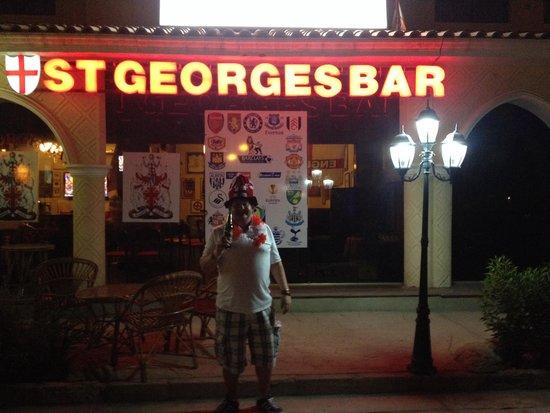 St George's Bar : Live life....love football!!