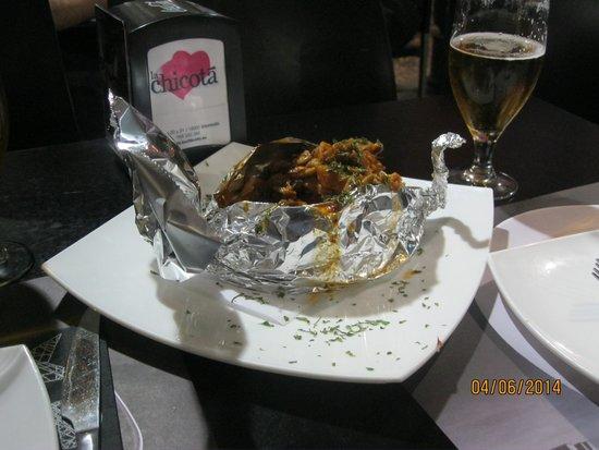 La Chicota: Gebackene Kartoffel mit leckerer Fleisch/Gemüsefüllung... lecker!
